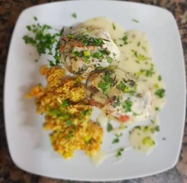Rollitos de atún con salsa de limón